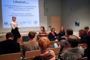 Writing Movement -keskustelu Kokkolan Talvitansseilla, Kokkolan kaupunginkirjastossa, kuvassa: Veera Lamberg, Hannele Jyrkkä, Tiina Ruotsala ja Raija Ilo. Kuva: Roy Pietilä