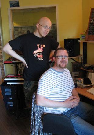 Toni Wirtanen ja Tommi Lindell studiossa