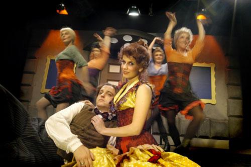 Moulin Rouge, kor. Elina Jakowleva, kuva Petri Nuutinen