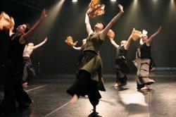 Huukit, koreografia Tero Saarinen, kuva Laura Vuoma