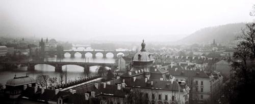 Vltava-joki Prahassa, kuva Kaari & Roni Martin